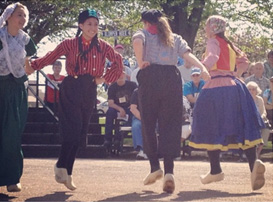 Experience fabulous Dutch dancers in Holland Michigan